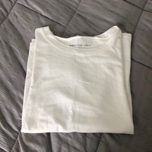 AEO white T-shirt